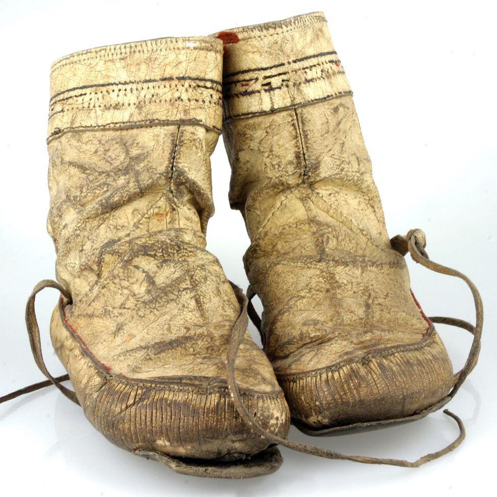 moesgaard museum, de etnografiske samlinger, ethnography, collections, museum, aarhus, denmark, tuxen, shoes, canada, kamik