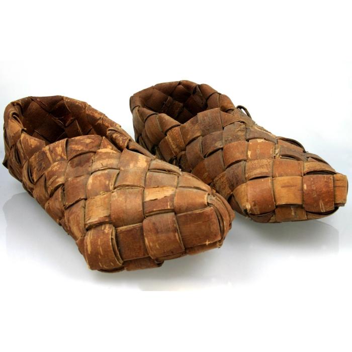moesgaard museum, de etnografiske samlinger, ethnography, collections, museum, aarhus, denmark, tuxen, shoes, finland