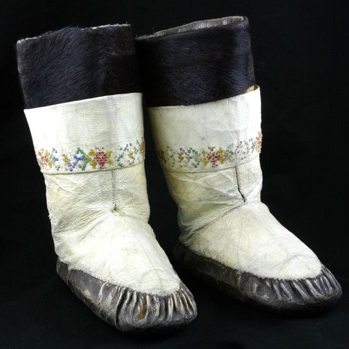 moesgaard museum, de etnografiske samlinger, ethnography, collections, museum, aarhus, denmark, tuxen, shoes