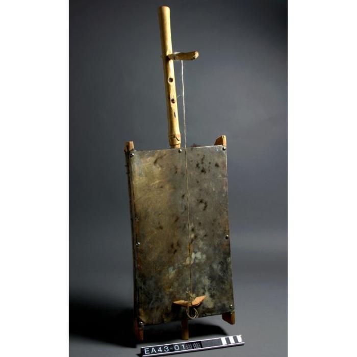 kuwait, instrument, moesgaard museum, de etnografiske samlinger, ethnography, collections, museum, aarhus, denmark