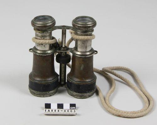 binoculars, looking, seeing, moesgaard museum, de etnografiske samlinger, ethnography, collections, museum, aarhus, denmark