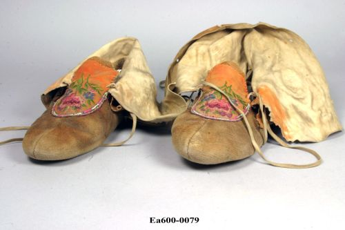 canada, indian, hare, moccasons, tippy toes, medieval walk, moesgaard, tuxen, collections