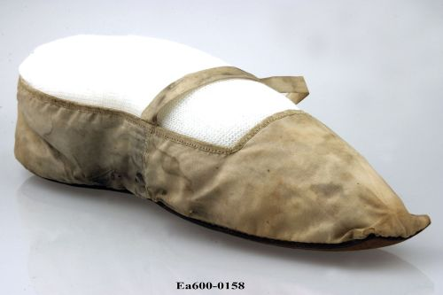 shoe, royal, queen, baroness, moesgaard musem, tuxen, collection, denmark, aarhus