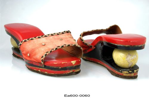 indonesia, shoes, marriage, fertility, symbol, egg, shoes, museums, collections, moesgaard museum, ethnography, tuxen