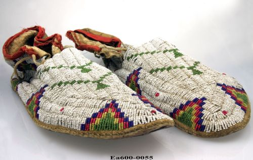 moccasins, indians, native americans, Tuxen, collections, collecting, shoes, moesgaard museum, ethnography, museum