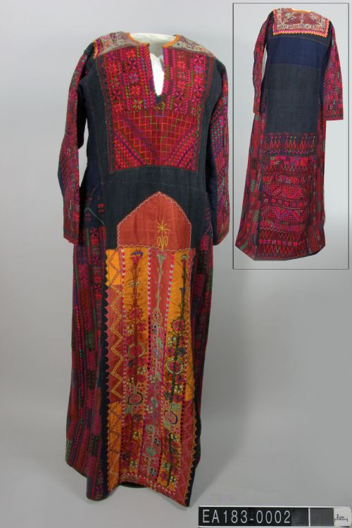 Palestine, dress, embroidery, fashion, ethnography, moesgaard museum, collections, colour, color, fashion