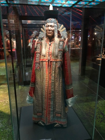 star wars, amidala, mongolia, genghis kahn, exhibition, moesgaard museum, khalkha mongol, dress, costume design