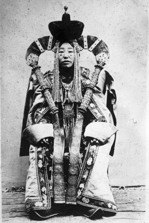 star wars, amidala, mongolia, genghis kahn, exhibition, moesgaard museum, khalkha mongol, dress, costume design, ethnography, anthropology, moesgaard museum, udstilling