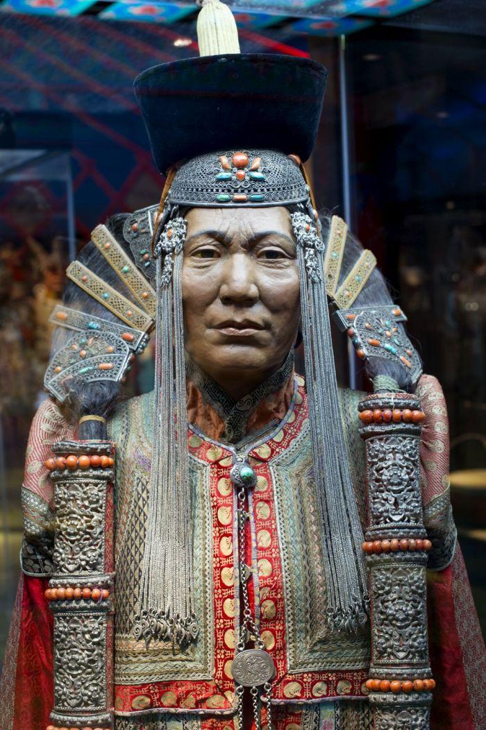 star wars, amidala, mongolia, genghis kahn, exhibition, moesgaard museum, khalkha mongol, dress, costume design
