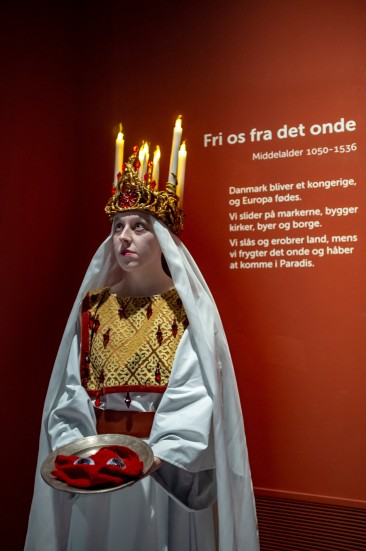Saint Lucy, Santa Lucia, Christmas, tradition, legend, light, bright, candle, christianity, Rome, Moesgaard Museum, ethnography,